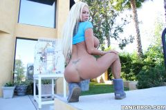Nikita Jaymes - Hot blonde Russian MILF (Thumb 99)