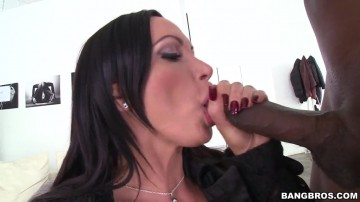 Nikki Benz - Nikki Benz gets a dirty face