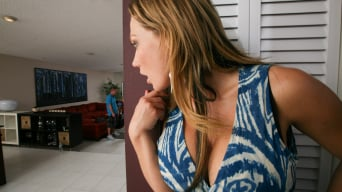 Nikki Sexx in 'MILF walks in on her daughter'