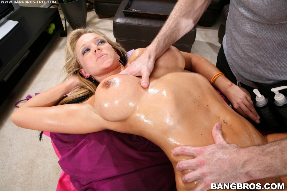 Right There Nikki Right There Porn Star Spa Bangbros