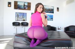 Paige Turnah - English Chick Has A HUGE Ass (Thumb 27)