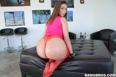 Paige Turnah - English Chick Has A HUGE Ass (Thumb 378)