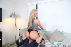 Phoenix Marie - Porn Star With A Big Ass! (Thumb 294)