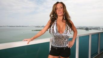 Richelle Ryan in 'MILF fucks hardcore'