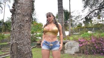 Sandra in 'Huge Round Latina Ass'
