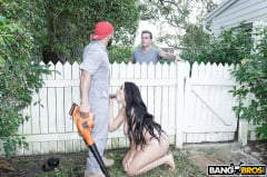 Skyla Novea - Busty House Wife Fucks The Gardener (Thumb 374)