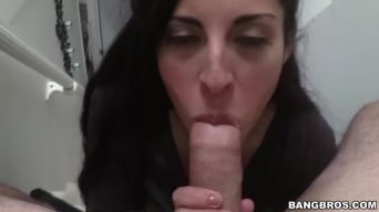 Sofia Rivera in 'Latina Milf gives great bj's'