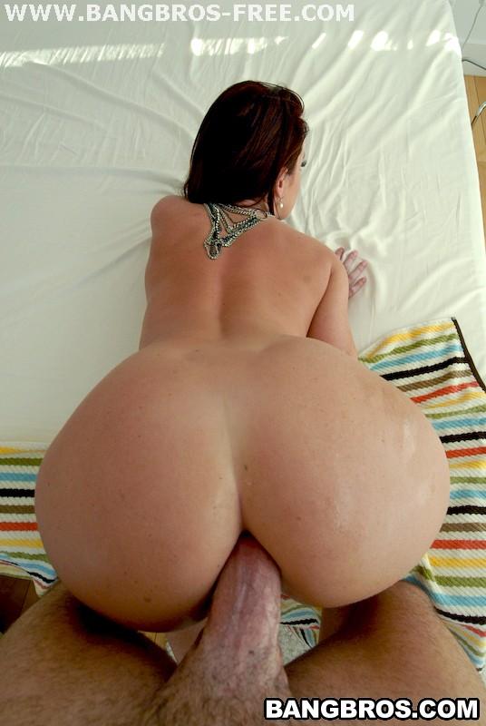 brooke hogan bikini ass